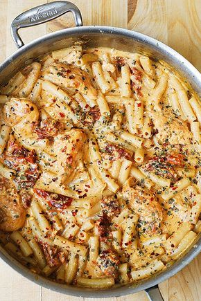 Chicken Mozzarella Pasta with Sun-Dried Tomatoes by JuliasAlbum.com, via Flickr