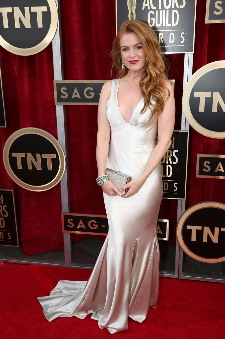 SAG Awards 2014: Red-Carpet Arrivals - Isla Fisher in Oscar de la Renta