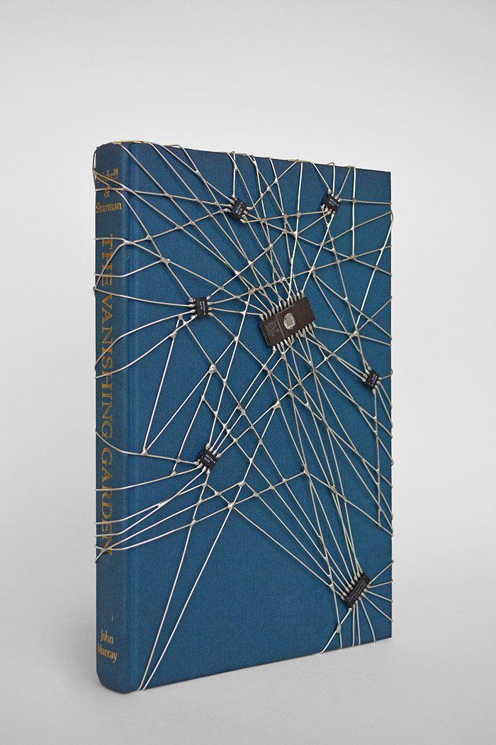 książka mikroczipowa - Leonardo Ulian @The Flat-Massimo Carasi, Milan