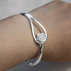 925 silver Romantic cherry bracelet, cheap fashion jewelry ,shop at http://artisansilvergifts.com/