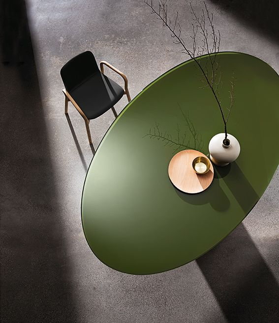 Totem #table with #glass top in moss green finishes. An iconic pic over the table #Sovetitalia #interior #design #decor #furniture