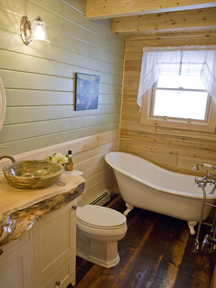 Rustic Log Home Bathroom With Clawfoot Tub Log Home