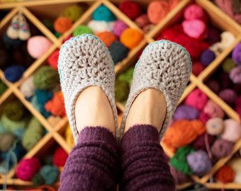 Crochet Slipper Patterns - Oma House Slippers - Woman Sizes