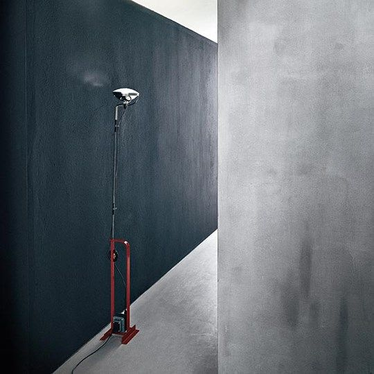 Toio: Discover the Flos standard lamp model Toio
