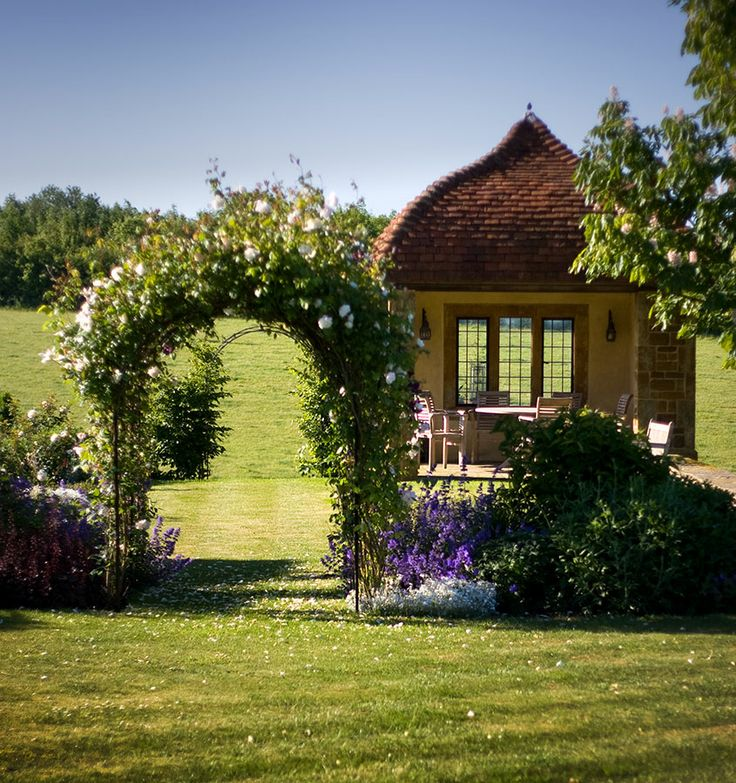 Jardin portefeuille de conception: Nicholsons Garden Design, Oxfordshire