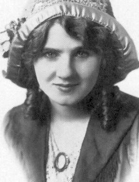 Alone, discouraged, and suffering with chronic pain from a rare bone marrow disease, Florence Lawrence was found unconscious in bed in her West Hollywood apartment on 12/27/38 after she had ingested ant paste. She was rushed to a hospital but died a few hours later, aged 52