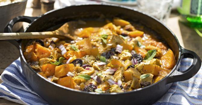 Recette de Tajine léger de poulet  épicé au butternut. Facile et rapide à réaliser, goûteuse et diététique. Ingrédients, préparation et recettes associées.