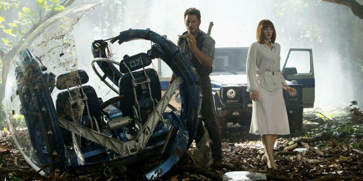 Jurassic World 2 Set Photos Show Chris Pratt, Bryce Dallas Howard (And No Heels)