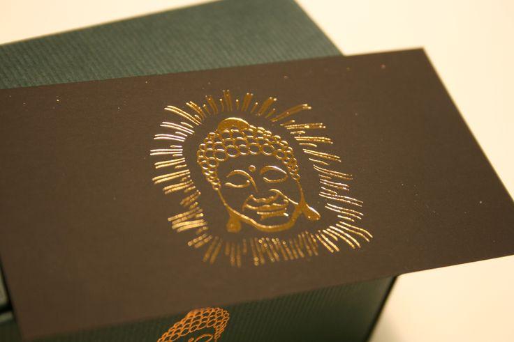 Prémium névjegykártya :) http://www.buddhaprint.hu/premium_nevjegyek