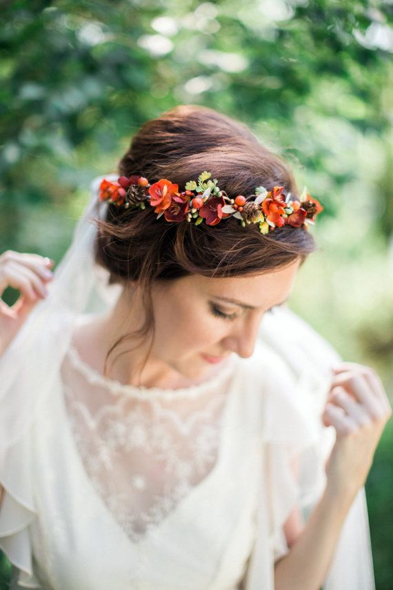 range hair wreath / http://www.deerpearlflowers.com/orange-wedding-color-ideas/