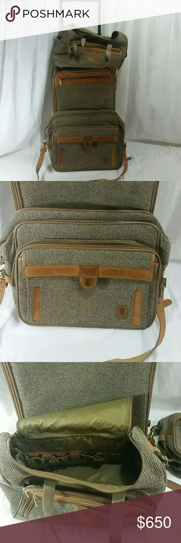 Vintage Hartmann Luggage set, Travel suitcase All in very good condition  Comes with lock and keys If you have any questions, please let me know and I will be happy to help.   Vintage tweed and leather luggage  Obviously bc it is not new there will be some signs of age and use. Hartmann  Bags Luggage & Travel Bags