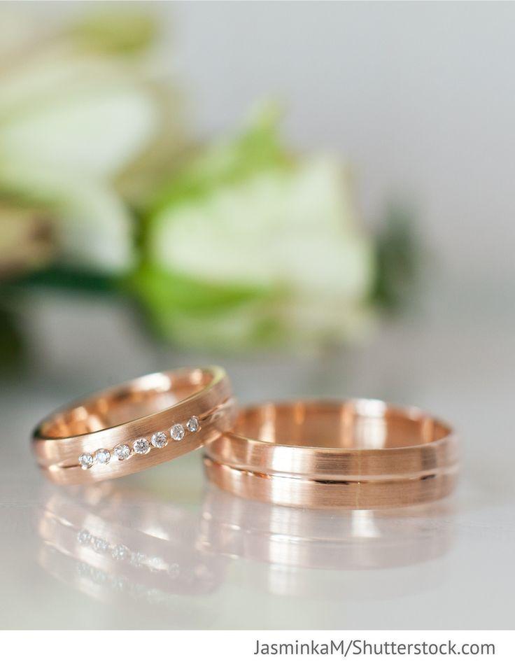 Eheringe Rotgold mit Stein für Hochzeit