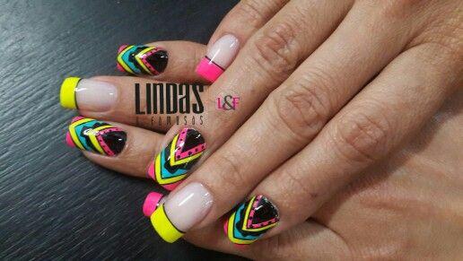 Nails pirámide