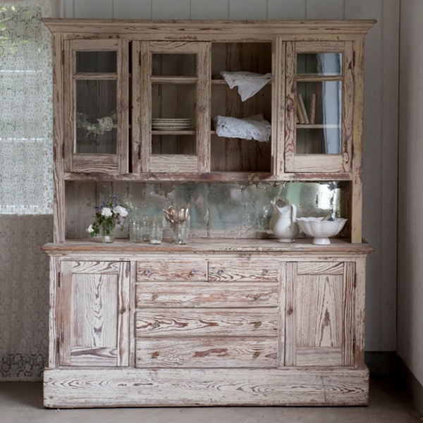 I LOVE this. Had found one somewhat similar in an antique shop that had been found in a farmhouse from the 1800's... unfortunately time had really done a number on the structure. I still wish I could have gotten it!