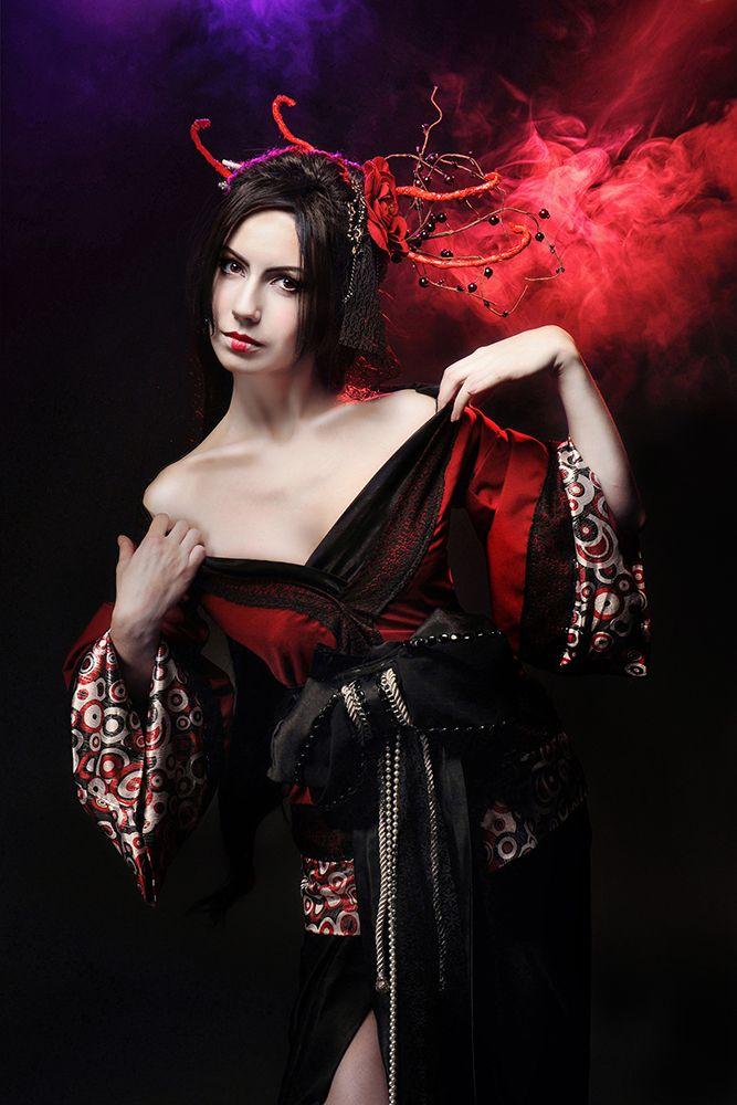 свет Николай Школьный  модель: Ева Сирин  Фотограф Рыжая Кошка  макияж Александра Иванченко #Beauty #girl #photo #fashion #Model #photostudio #Dark #InspiratioN #geisha #cosplay