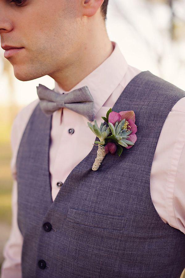 boutonniere suculenta y púrpura