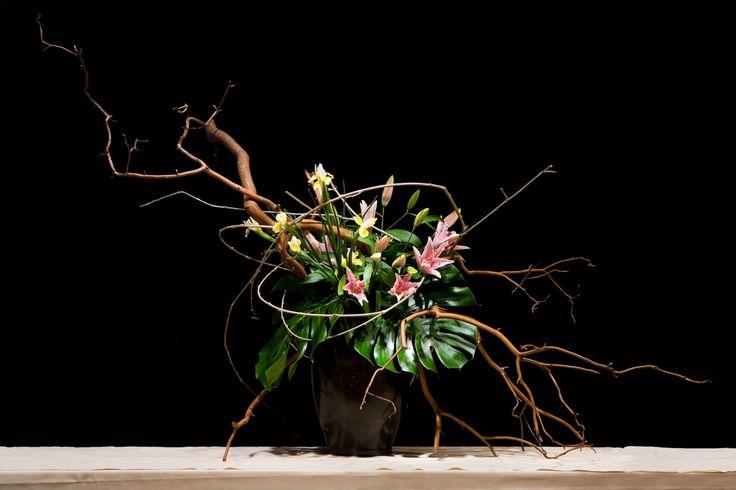Ikebana -Ünlü Japon Çiçek Dizaynı İkebana yı öğrenmek için…-