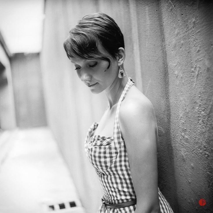 Medium format film photography, Seagull 4A, portrait photo session