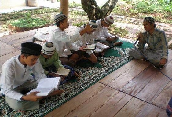 MASYA ALLAH.. Begini 8 Hukuman Ala Pesantren Yang Mendidik Dan Bisa Diterapkan Di Rumah  Semoga anak-anak kita menjadi pribadi yang shaleh dan shalehah... Aamiin