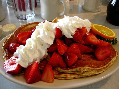 : Food Desserts, Cupcake, Chocolates, Pies Cakes, Memorial, Food Trucks, Strawberries Pancakes, Breakfast Pancakes, Whipped Cream