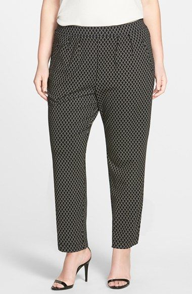 Plus size knit pants with pockets