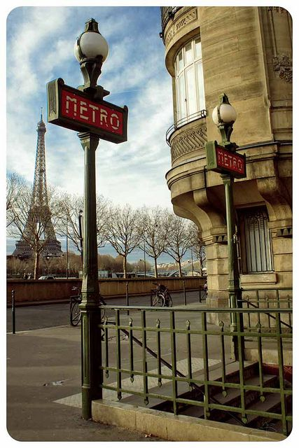 Triangle d'or, Paris  | by Galou2010 | via parisbeautiful