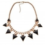 Gold chain with triangle pendant links R230 Sass Diva