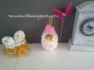 paasei gemaakt van ballon lijm en garen kuikens van washandje #sonneke30.blogspot.com #madebysonneke30