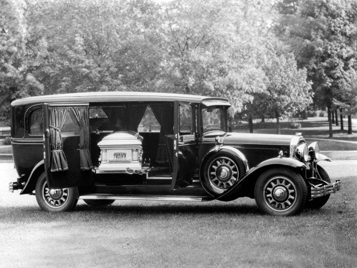 1931 Flxible Buick Series-90 Side-Servicing Hearse stationwagon emergency retro ambulance d