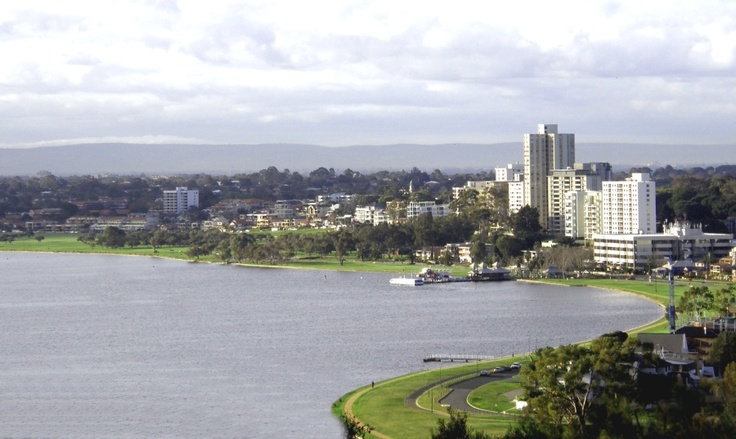 how to go to leighton beach from perth city