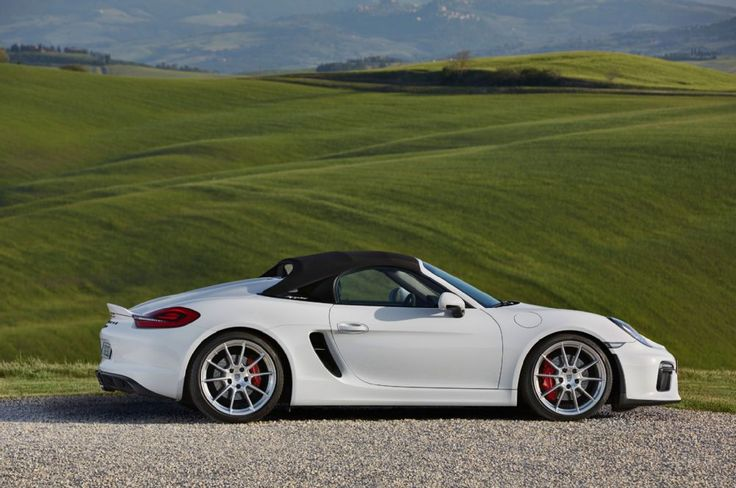 2016 Porsche Boxster Spyder side profile 02