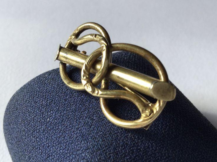 Victorian pinchbeck love knot brooche - Spilla vittoriana in pinchbeck nodo d'amore di Quieora su Etsy