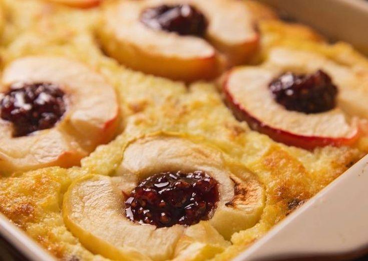 Рисовая запеканка с яблоками и изюмом