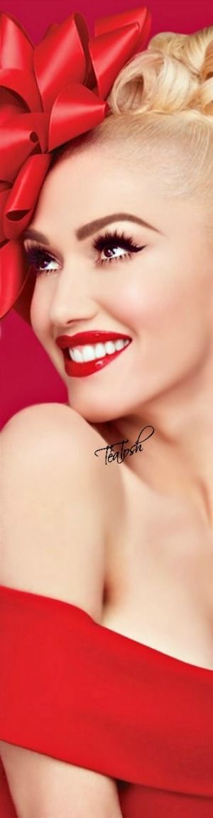❇Téa Tosh❇ Gwen Stefani… Wrapped for Christmas❤︎