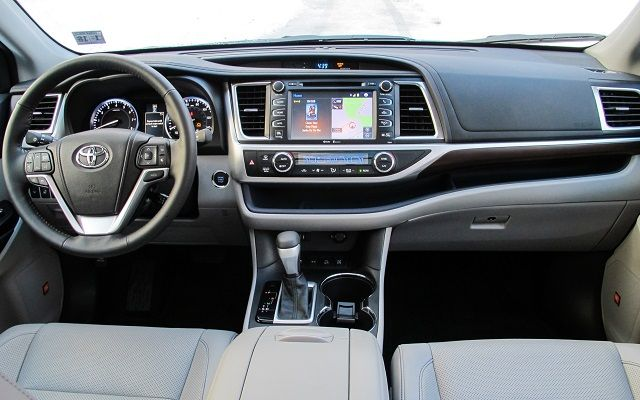 2016 Toyota Highlander - interior