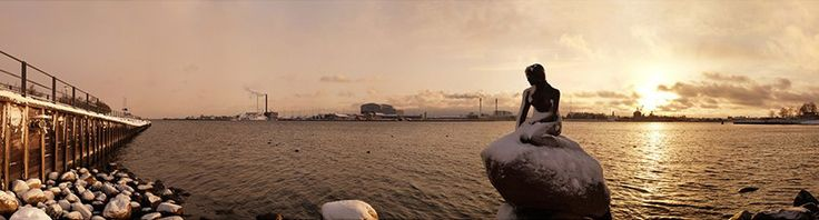The photos for this Gallery DK360 panorama image were taken during a sunrise on an early winter's morning before the newly fallen snow had been disturbed by tourists. The little mermaid is one of Denmark's most visited tourist attractions.