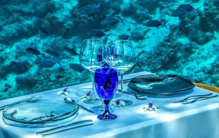 Alle Maldive si mangia nel ristorante subacqueo più grande del mondo