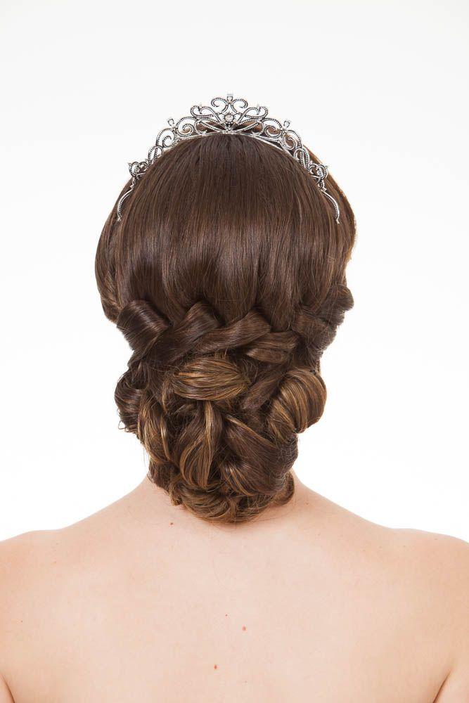 Penteados para noivas: sonho e personalidade traduzidos nos cabelos - Vogue | Beleza