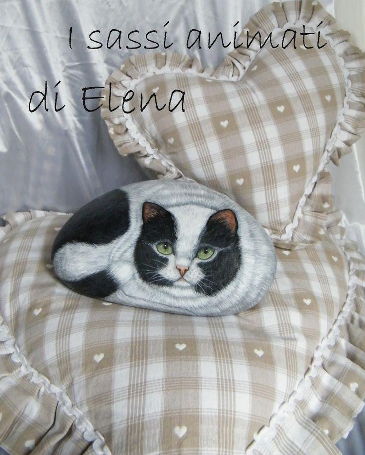 Sono andata a conoscere Maddalena, una splendida bimba che si è aggiunta alla nostra grande famiglia.   Ho dipinto per lei un dolce gattino...