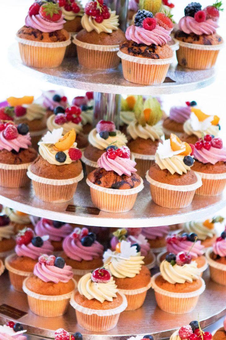 die 25 besten hochzeit cupcakes ideen auf pinterest. Black Bedroom Furniture Sets. Home Design Ideas