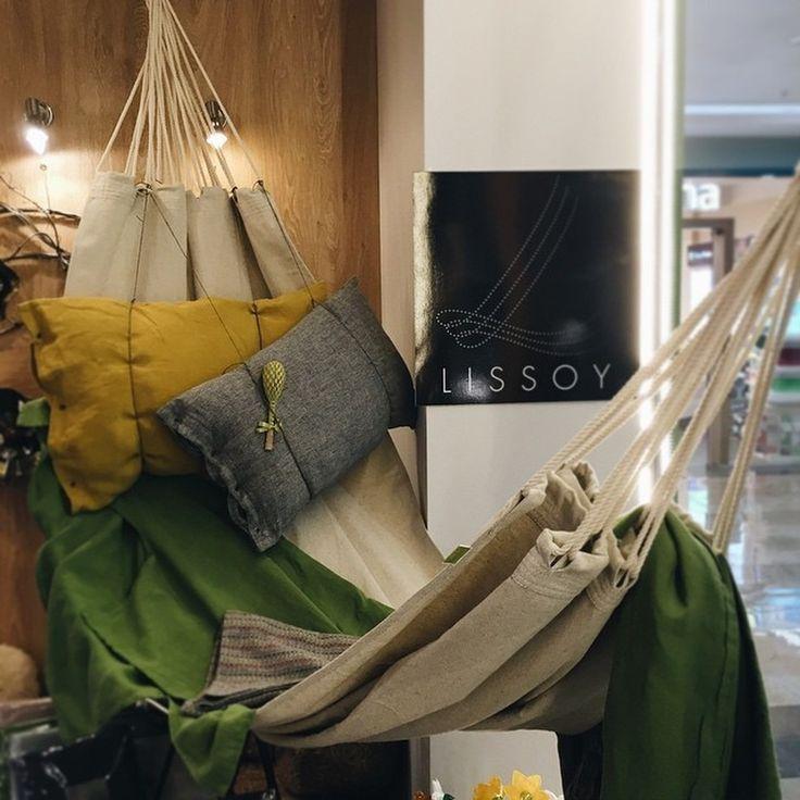 Все гениальное просто и сделано из льна! #lissoy #france #summertime #homedecor #decoration #гамак #релакс #relaxe