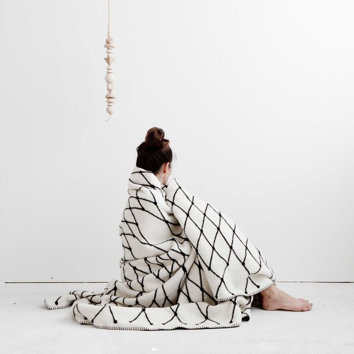 bastisRIKE | THE GRID - COTTON BLANKET (black & white)