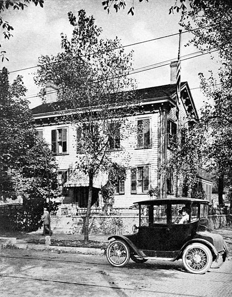 Abraham Lincolns home in Springfield, Illinois. Date	published 1921