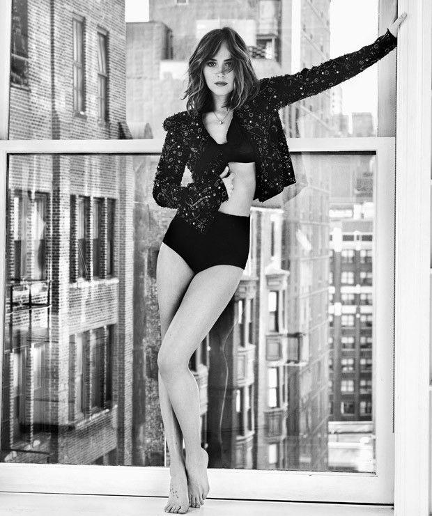 Dakota Johnson na edição de março 2016 da Marie Claire.
