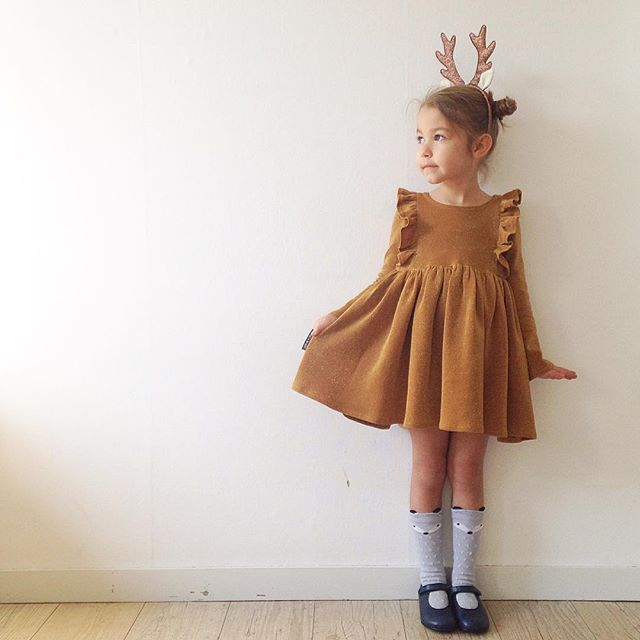 Oh deer!!!! Free pattern in size 6 #sewing #handmade #kidsclothes #freepattern #soonavailable #milliedress @nickyheyvaert #isew #knit #fabric #mondepot #annekurris #gold #bling✨ #ruffles #cutesocks #aliexpress #beberlis #deer #tiara #hennesandmauritz #kidsstyle #christmasoutfit #toertjesenpateekes #handmadekidsclothes #madewithfabric