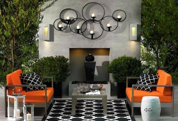 Celosia anaranjado y detalles gráficos en blanco y negro y de un espacio al aire libre.