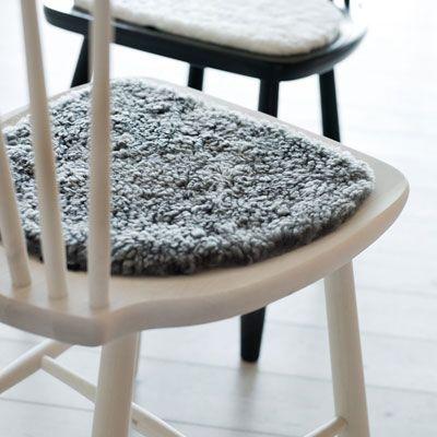Lilla Åland stol i kulör från Stolab. #stolab #lillaåland #pinnstol #skandinaviskdesign