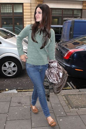 comfy weekend clothes - I've even got the moccasins. Lana Del Rey in #MiHJeans