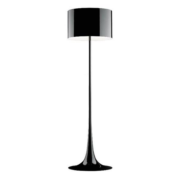 Courbes étirées, noir brillant : une élégance sobre #Flos #lampe