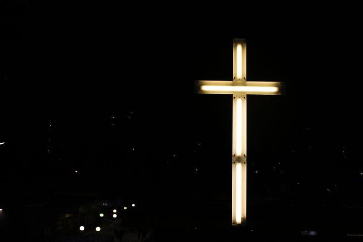 https://flic.kr/p/dVRDNX | Neon cross | Church of Pihlajamäki, Helsinki, Finland